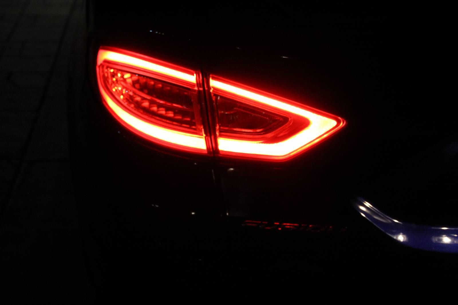Left Tail Light Neod S Fusion Hybrid Titanium Photo